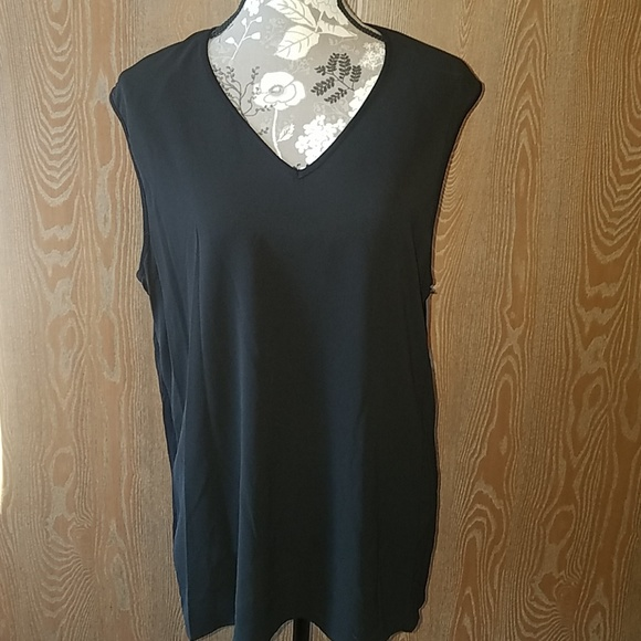 Vince Camuto Tops - NWT Vince Camuto top